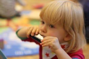 dietatko hra na harfu montessori interaktivne vzdelavanie bratislava